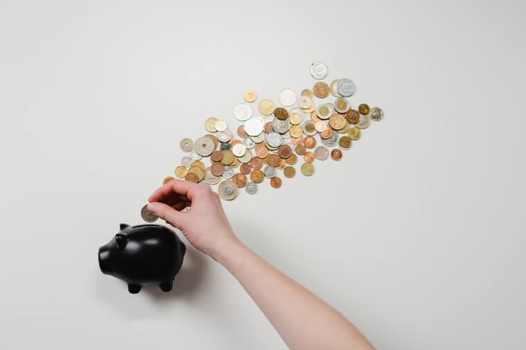 мужчина может применять финансовое насилие